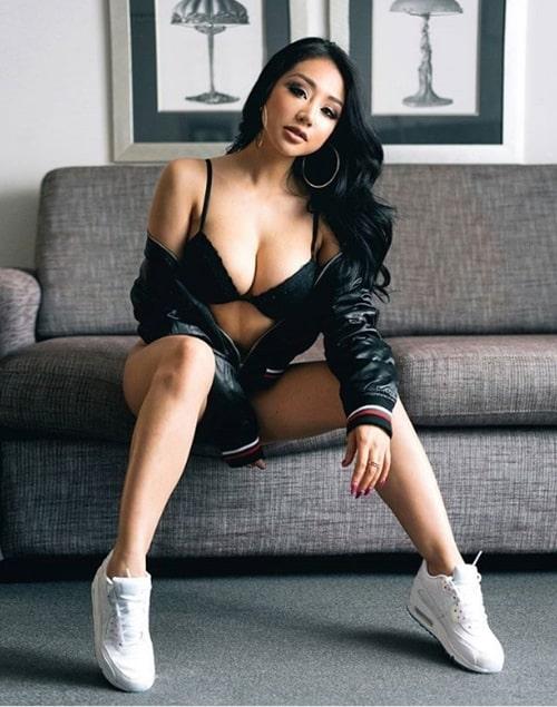 Người mẫu nude gốc Việt