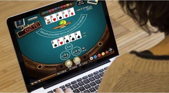 chơi poker trực tuyến tiền thật trên máy tính